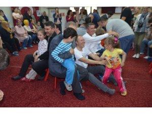 Babalar yarıştı, çocuklar eğlendi, anneler alkışladı