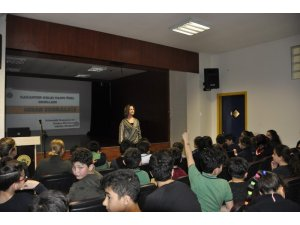 "Gaziantep'te ""Akran Zorbalığı"" semineri"