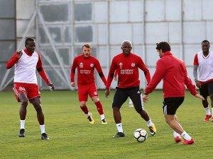 Sivasspor Avrupa aşkına sahaya çıkıyor