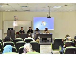 'Mezunlar Söyleşisi' isimli etkinlik SAÜ'de düzenlendi