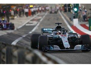 Mercedes-AMG Petronas Çin'de birincilik peşinde