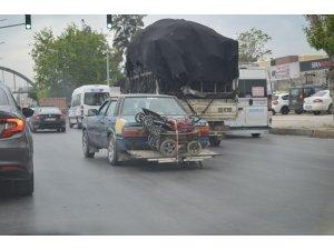 Adana'da tehlikeli yolculuk