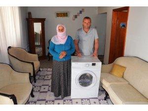 Annesine çamaşır makinesi alamayan Rabia'nın hayali gerçek oldu