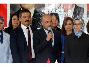 AK Parti'li kadınlardan Mehmetçik ile Kilislilere destek