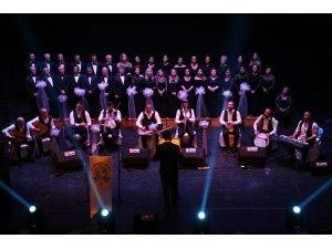Efeler Belediyesi Türk Sanat Müziği Korosu şarkıları Efeler halkı için söyledi