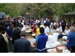 Üniversite öğrencileri bahar şenliğinde stres attı