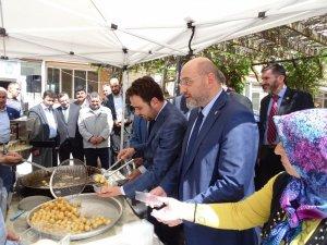 Hisarcık Belediyesi kandil lokması dağıttı