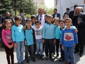 Başkan Büyükkılıç ekibi ile Altınoluk Mahallesinde