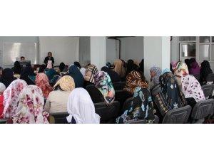 Çaldıran'da 'Çocuklarda Din Eğitimi ve Mahremiyet' semineri