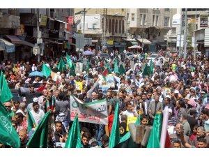 Ürdün'de Filistinlilere destek yürüyüşü