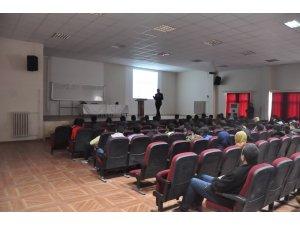 Kahta'da 'Başarıya Giden Yol' konulu seminer düzenlendi