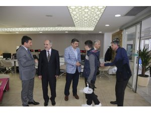 Beykoz Belediye çalışanları Miraç Gecesi için kandilleşti