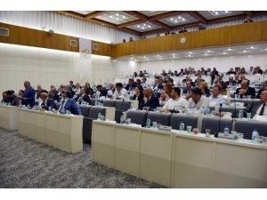 İzmir Büyükşehir Meclisinde 'gittiğin kadar öde' tartışması