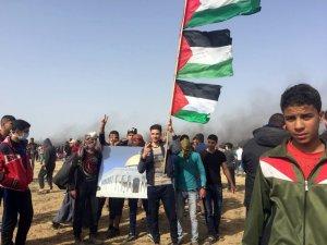 İsrail askerlerinin sert müdahalesi sonucu 500'den fazla Filistinli yaralandı