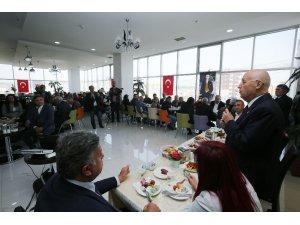Başkan Yaşar Ata Mahallesi esnafıyla kahvaltıda buluştu