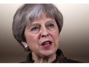 "Theresa May: ""Askeri müdahalenin hem doğru hem de hukuki olduğu konusunda karar verildi"""