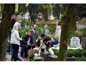 Mina Başaran düğün gününde mezarı başında anıldı
