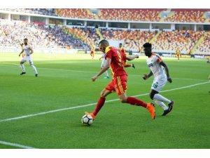 Spor Toto Süper Lig: Evkur Yeni Malatyaspor: 0 - Aytemiz Alanyaspor: 0 (İlk yarı)