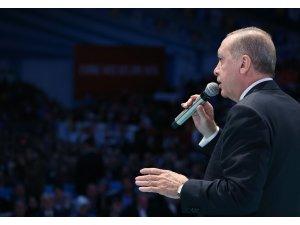 """Cumhurbaşkanı Erdoğan: """"İstedikleri kadar kur silahı kullansınlar bizdeki zırh farklı bir zırhtır"""""""