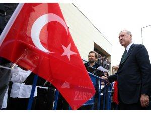 Cumhurbaşkanı Erdoğan'a Sulukule Sanat Akademisi öğrencilerinden açık hava konseri