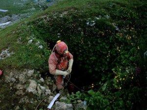 Rusya dünyanın en derin mağarasına indi