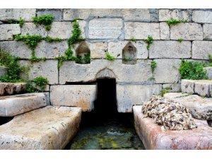 Tarihi mekanda halı ve yün yıkama geleneği