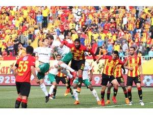 Spor Toto Süper Lig: Göztepe: 2 - Bursaspor: 1 (Maç sonucu)