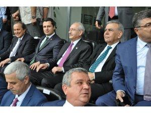 Kılıçdaroğlu, UEFA standartlarındaki Tire Stadını törenle açtı