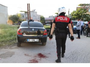 Adana'da polis motoruna çarparak kaçmaya çalışan kişi vuruldu