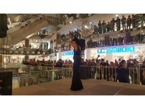 Nissara AVM'de Şiva konseri düzenlendi