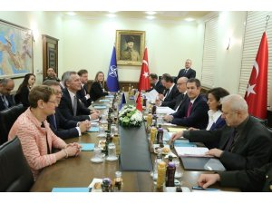 NATO Genel Sekreteri Jens Stoltenberg ile Milli Savunma Bakanı Nurettin Canikli'nin katıldığı heyetlerarası görüşmesi başladı.