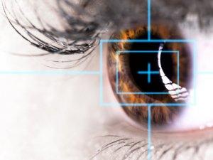 Göz içi lenslerin kullanımı artıyor
