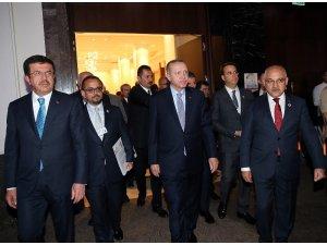 """Cumhurbaşkanı Erdoğan: """"Niye sadece kimyasal silahı değerlendiriyorsunuz? Konvansiyonel silahı niye değerlendirmiyorsunuz?"""" (1)"""