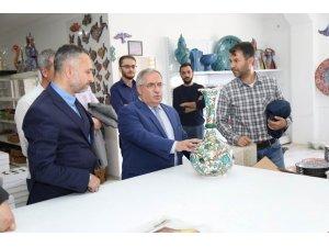 Vali Nayir: İznik çinisi de Kütahya'da yaşatılıyor