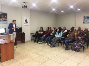Büyükdere Halk Merkezi'nde alerji semineri yapıldı