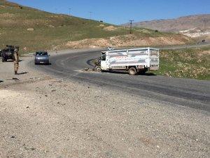 Hasankeyf'te tır ile kamyonet çarpıştı: 3 yaralı