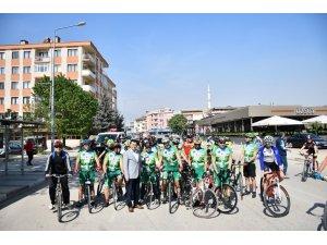 Bisikletçiler baharı İnegöl turu ile karşıladı