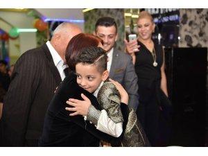 Başkan Toprak, hayata tutunan küçük Murat'ı yalnız bırakmadı