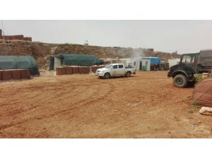 Sınır ötesindeki askeri üsler ilaçlandı