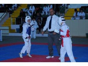 Malatya Tekvando takımı Samsun'dan 8 madalya ile döndü