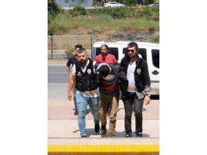 Uyuşturucu taciri otel odasına yapılan baskınla yakalandı