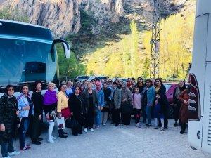 MEV Kadın Kollarından eğitime katkı