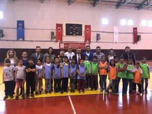 Eğirdir'de Geleneksel Çocuk Oyunları Projesi hayata geçirildi