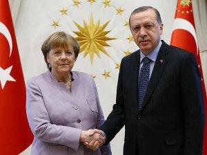 Erdoğan ve Merkel görüşmesinde 'toprak bütünlüğü' vurgusu