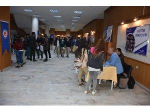 """Yüksekova'da """"Tanıtım ve Kariyer Günleri"""" etkinliği"""