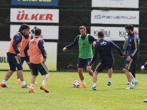 Fenerbahçe'de derbi mesaisi başladı
