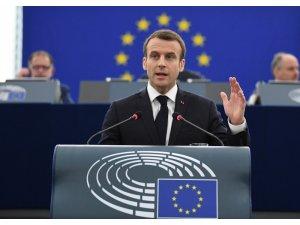 Macron, Avrupa'nın geleceğini tartışmaya açtı