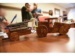 Osmaniye'de oyuncak yapma yarışması