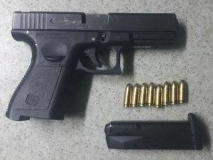 Havaya silahla ateş açan 3 zanlıdan 1'i tutuklandı
