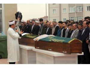 İstanbul'daki feci kazada ölen anne ve oğlu Kocaeli'de toprağa verildi